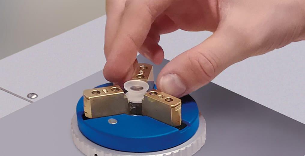 Standardaufnahme für Prüflinge mit einem Durchmesser OptiSurf LTM